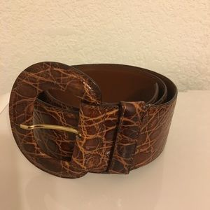 Beautiful brown women's belt.